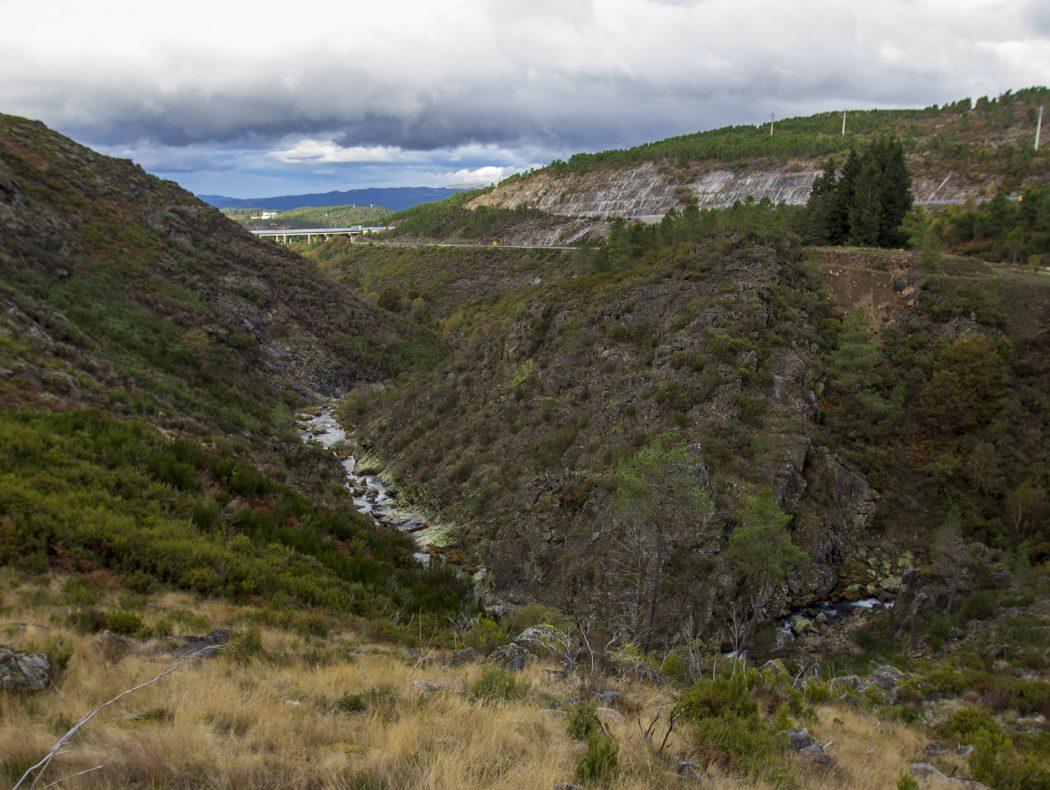 Rio Lourêdo em Ribeira de Pena na Serra do Alvão